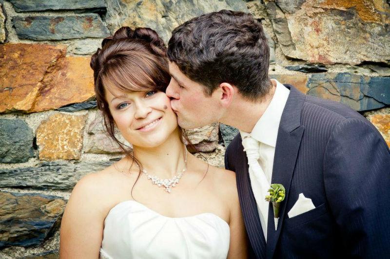 Beispiel: Portraitfotografie vom Brautpaar, Foto: Colorwork Photography.