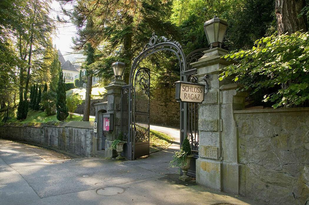 Beispiel: Eingang, Foto: Hotel Schloss Ragaz.