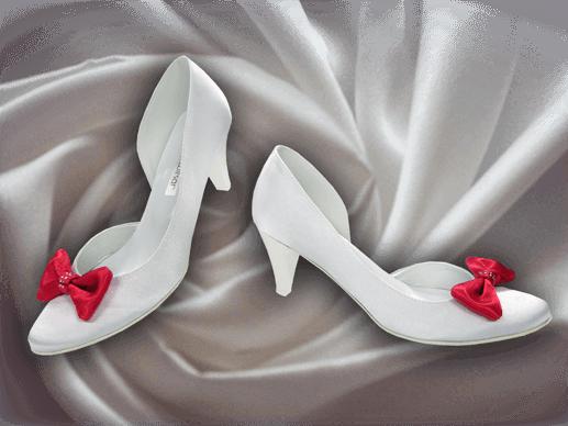 Obuwie ślubne w salonie Kambelina