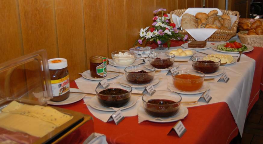 Beispiel: Frühstücksbuffet, Foto: Landgasthof Rössle.