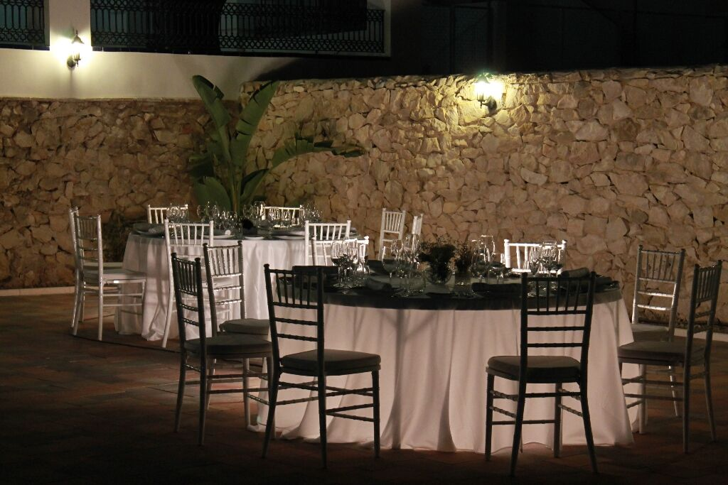 Mesas de evento iluminadas