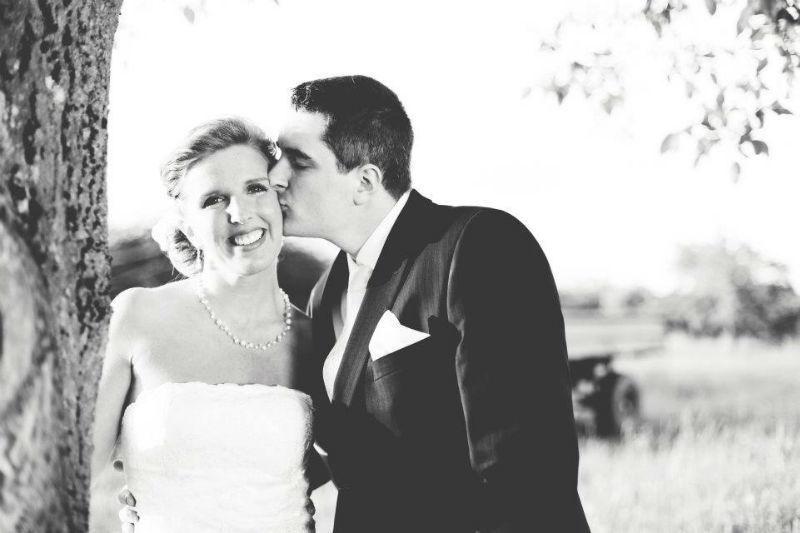 Beispiel: Hochzeitsfotos in Schwarz-Weiß, Foto: Almut Buchwitz Fotografie.