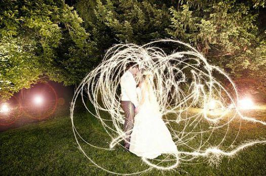 Beispiel: Kreative Hochzeitsfotos, Foto: Marta Urbanelis Photography.