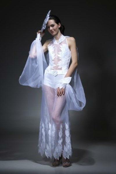 Beispiel: Ausgefallene Kleider, Foto: Beran BrautCouture.