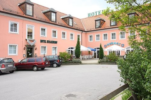 Beispiel: Parkplatz, Foto: AKZENT Hotel Am Husarenhof.