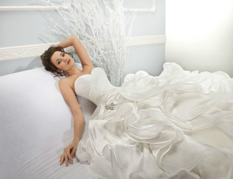 Beispiel: Brautkleider von Markenherstellern, Foto: Brautmoden Center Stefanie.