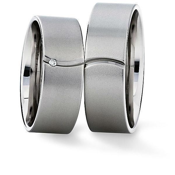 Beispiel: Trauringe - Weissgold, Foto: Juwelier Stöckle.