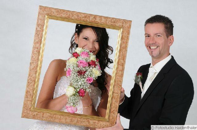 Beispiel: Traumhafte Hochzeitsfotos, Foto: Fotostudio Haidenthaler.