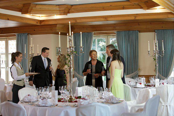 Beispiel: Hochzeitsgedecke: Foto: Germanenhof.