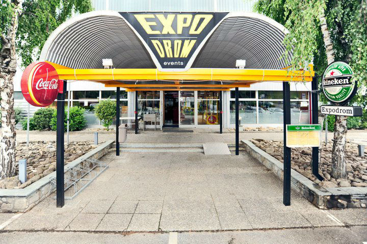 Beispiel: Eingang, Foto: Karting Expodrom.