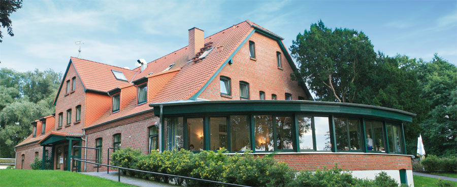 Beispiel: Außenansicht, Foto: Seehotel Heidehof.