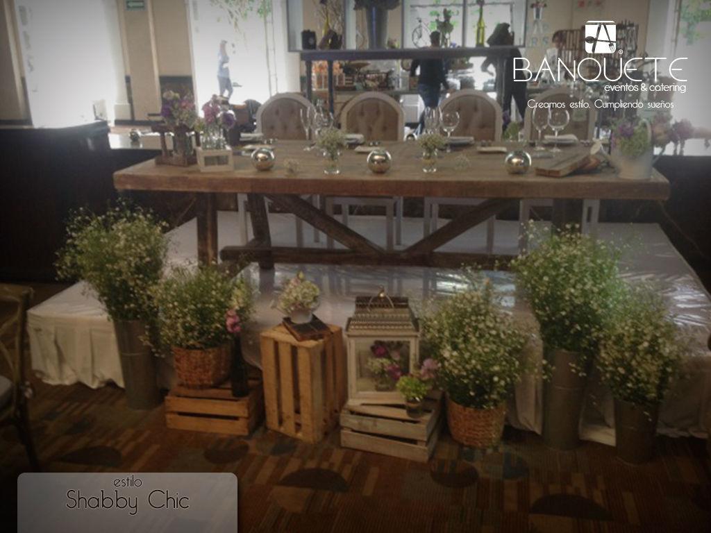 Mesa chic con decoración para novios #banqueteeventos