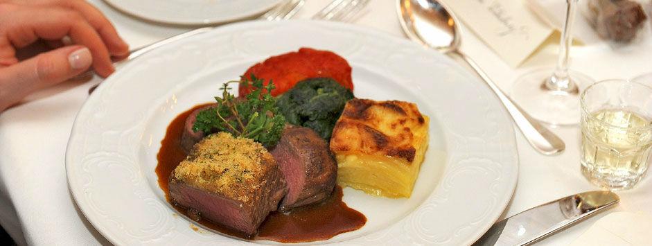 Beispiel: Hervorragende Gastronomie, Foto: Zunfthaus zur Meisen.