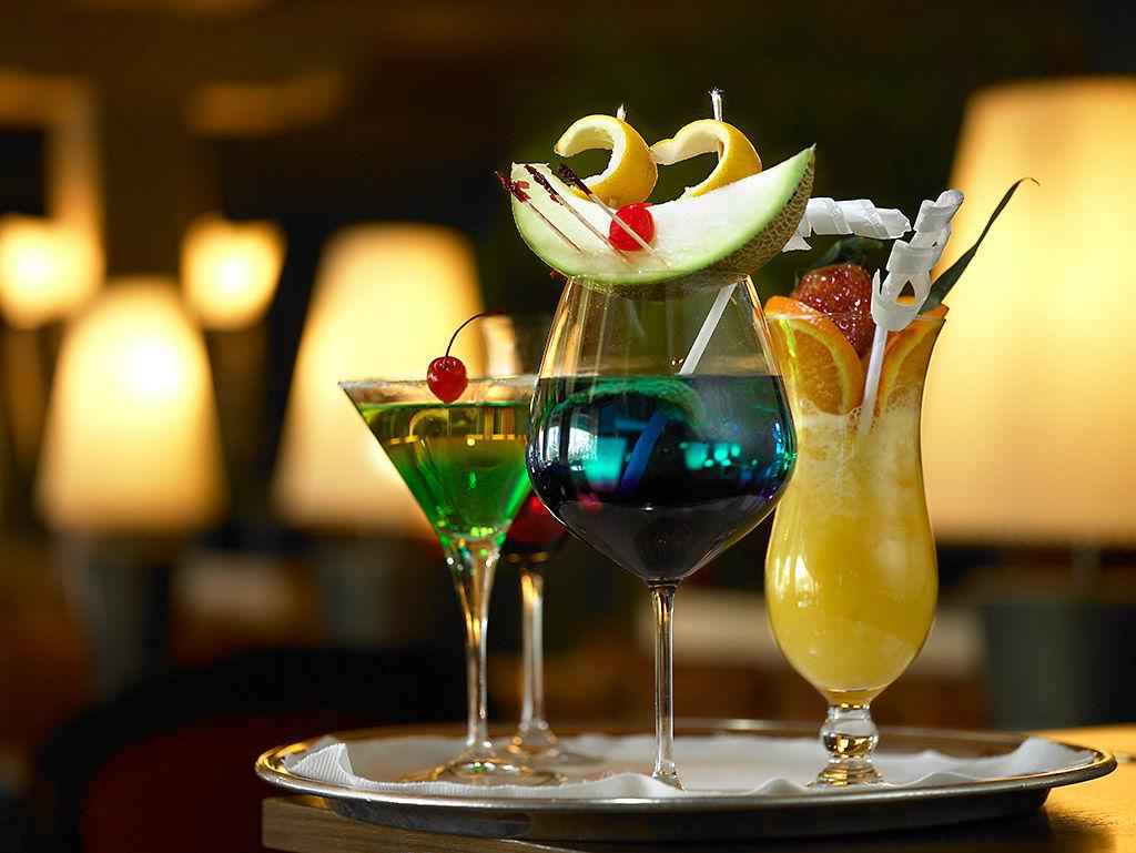 Beispiel: Cocktails, Foto: Tschuggen Grand Hotel Arosa.