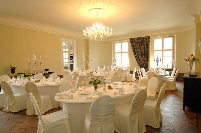 Beispiel: Hochzeitsgedeck, Foto: Schloss Kartzow.