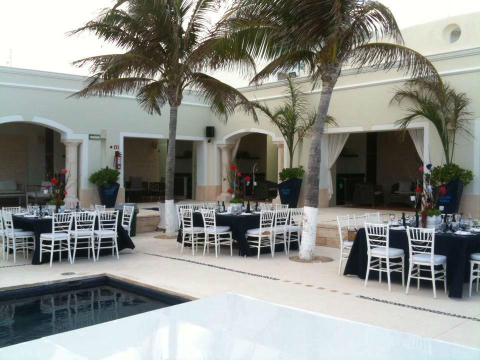 beach club Cancun