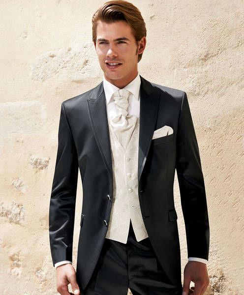 Beispiel: Der perfekte Anzug, Foto: Teller Herren- & Hochzeitsmode.
