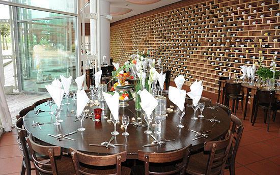 Beispiel: Eingedeckter Tisch, Foto: Ludwig im Museum.