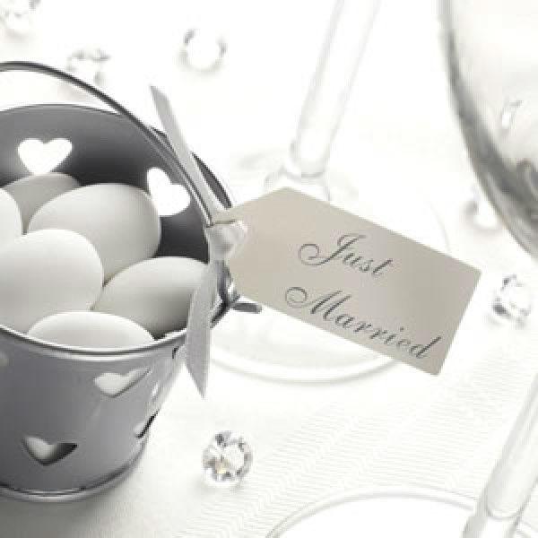 Beispiel: Anhänger Just Married, Foto: Make my day - Der Hochzeitsshop.