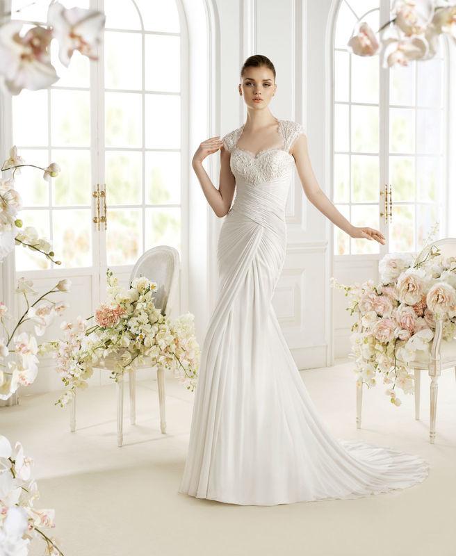 Beispiel: Hochzeitsmode, Foto: Wedding Center Wien.