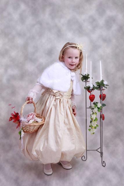 Beispiel: Blumenkind, Foto:  Hochzeitssalon Lysann.