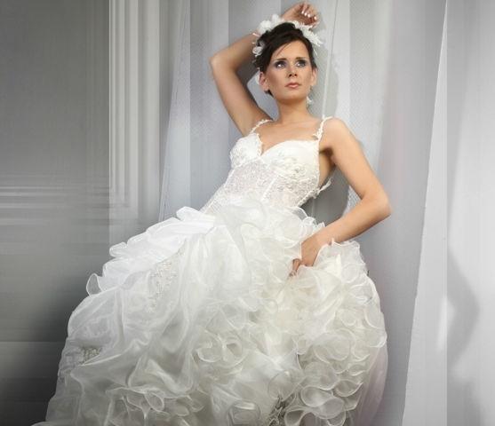 Beispiel: Brautmode mit Qualität, Foto: Eliyzi Couture Berlin.