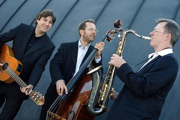 Beispiel: Acoustic-Trio, Foto: Sven Claussen.
