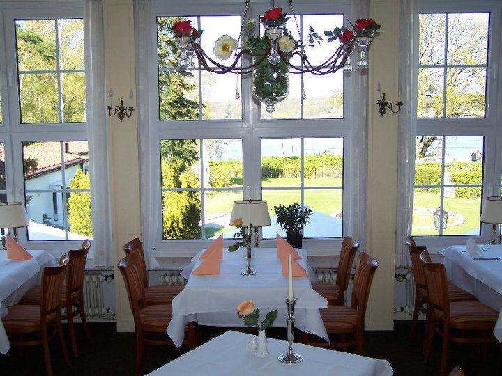 Beispiel: Restaurant mit Blick auf den Wannsee, Foto: Haus Sanssouci.