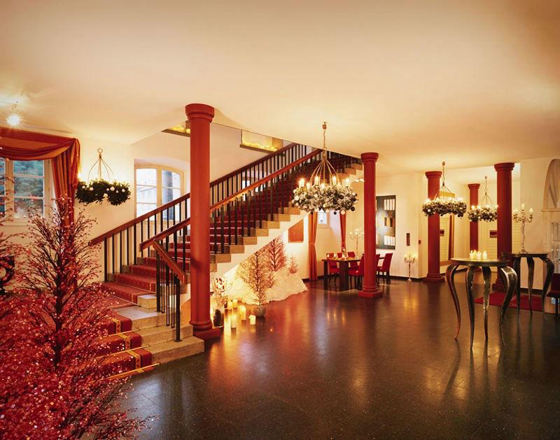 Beispiel: Foyer - Treppenaufgang, Foto: Wolkenburg.