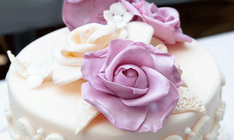 Romantische Zuckerrosen von Hand gefertigt