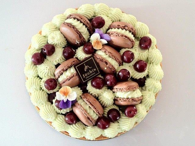 Tarte Macaron Chocolat Pistache et griottines véritables