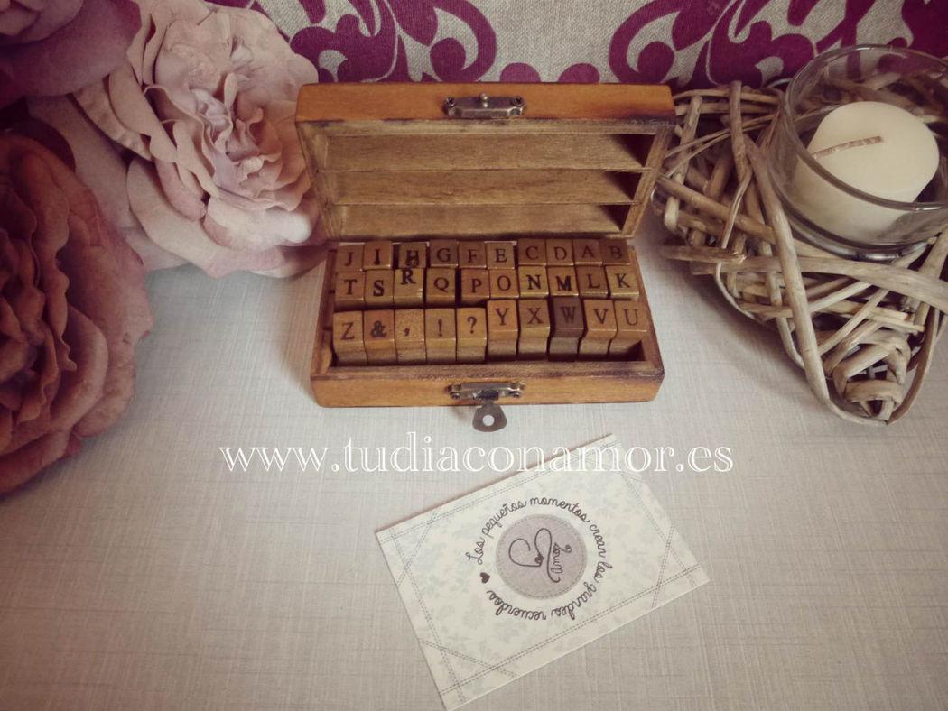 Imprentilla madera vintage, alfabeto con letras en madera. Ideal como regalo o para el libro de firmas