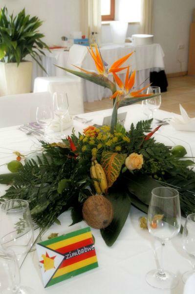 Beispiel: Tischdekoration, Foto: Be4u.