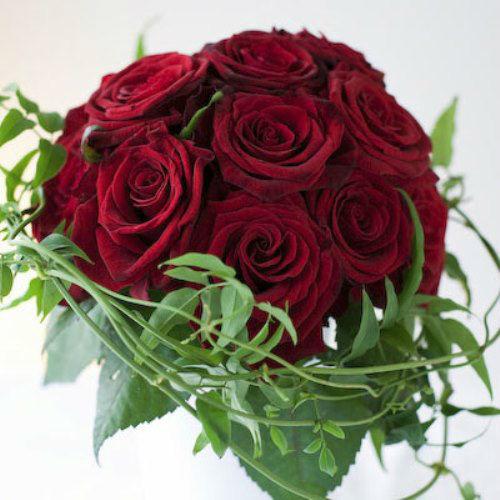 Beispiel: Personalisieren Sie Ihren Brautstrauß, Foto: hochzeitsrosen.ch.