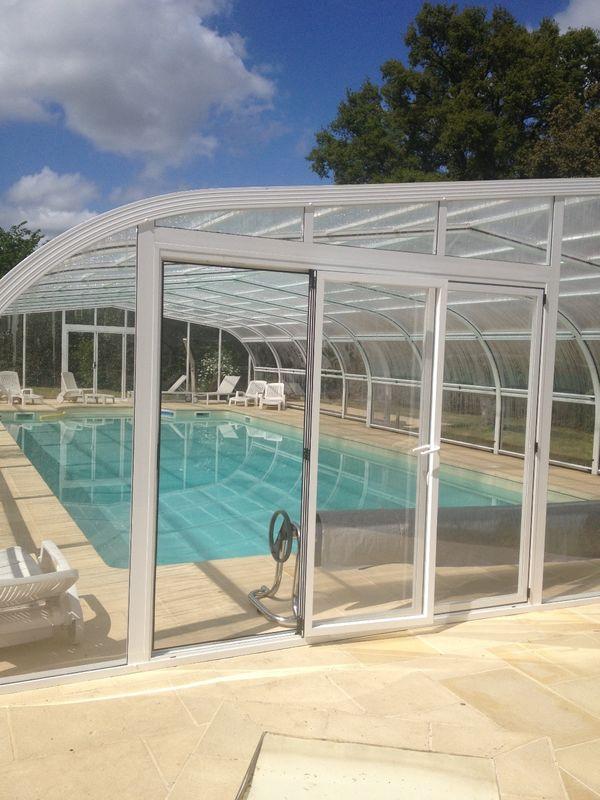 Une grande piscine pour la detente