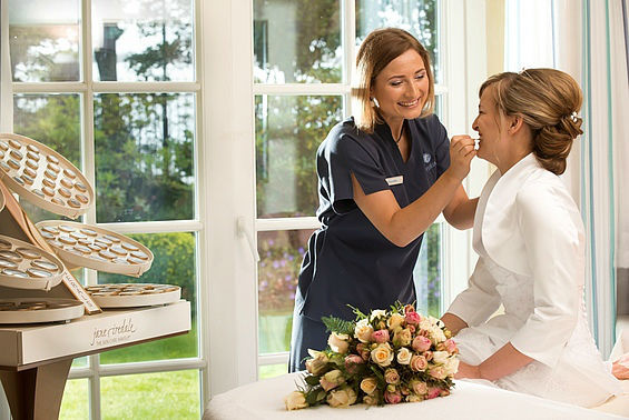 Beispiel: Der perfekte Rahmen für Ihre Hochzeit, Foto: Travel Charme Kurhaus Binz.