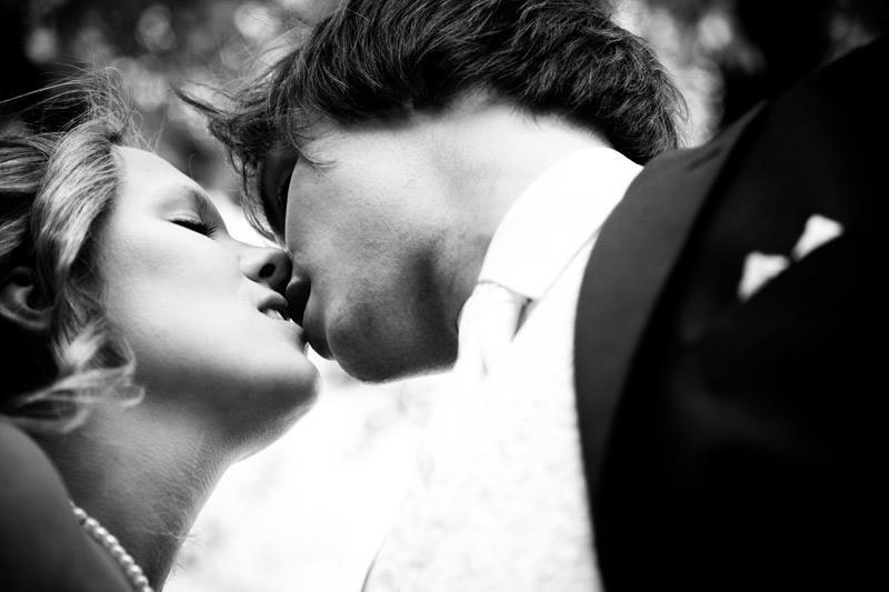 Beispiel: Romantische Hochzeitsfotos, Foto: Janograf Wedding Photography.