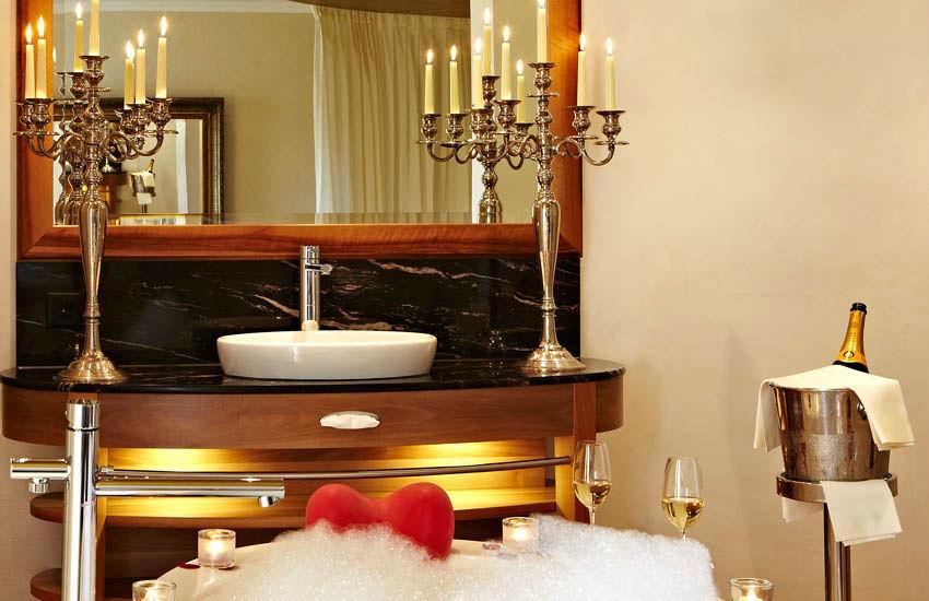 Beispiel: Badezimmer, Foto: Hotel des Balances.