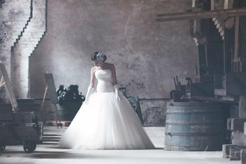 Beispiel: Brautmode, Foto: küssdiebraut.