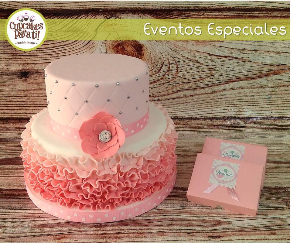 Cupcakes para ti! Maqueta de torta y cajitas con torta