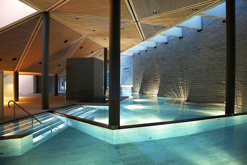 Beispiel: Schwimmbad, Foto: Tschuggen Grand Hotel Arosa.