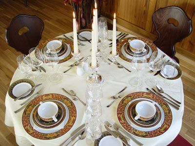 Beispiel: Tischdekoration, Foto: Gasthof Linde.