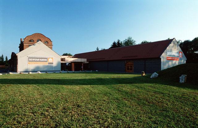 Beispiel: Seifenfabrik mit Außenbereich, Foto: Seifenfabrik.
