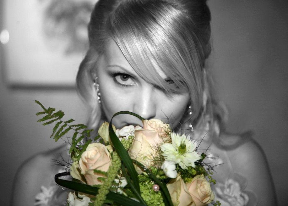 Beispiel: Wunderschöne Fotos in Schwarz-Weiß, Foto: Troy Productions.