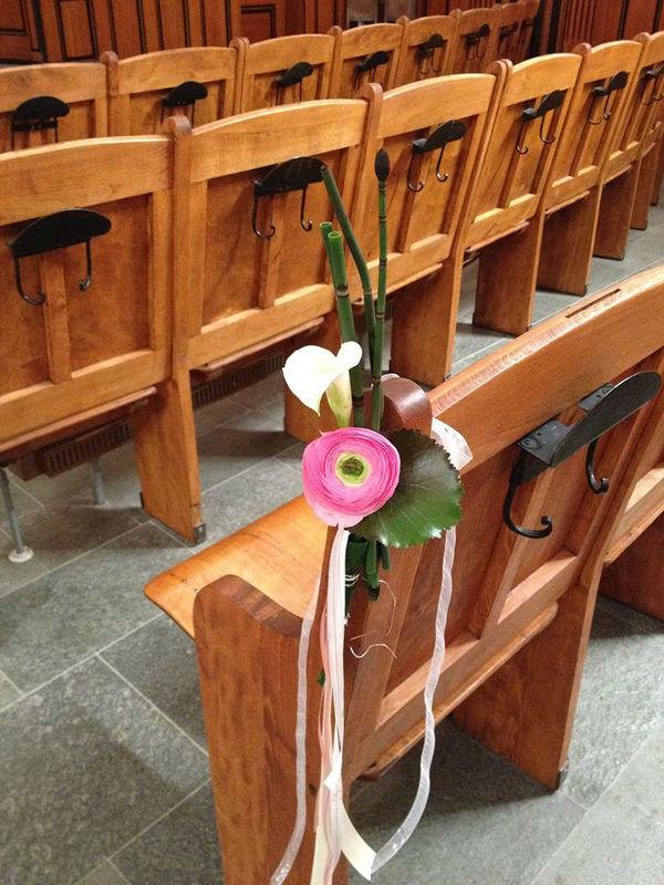 Beispiel: Kirchenschmuck, Foto: Blumen Schmidt.