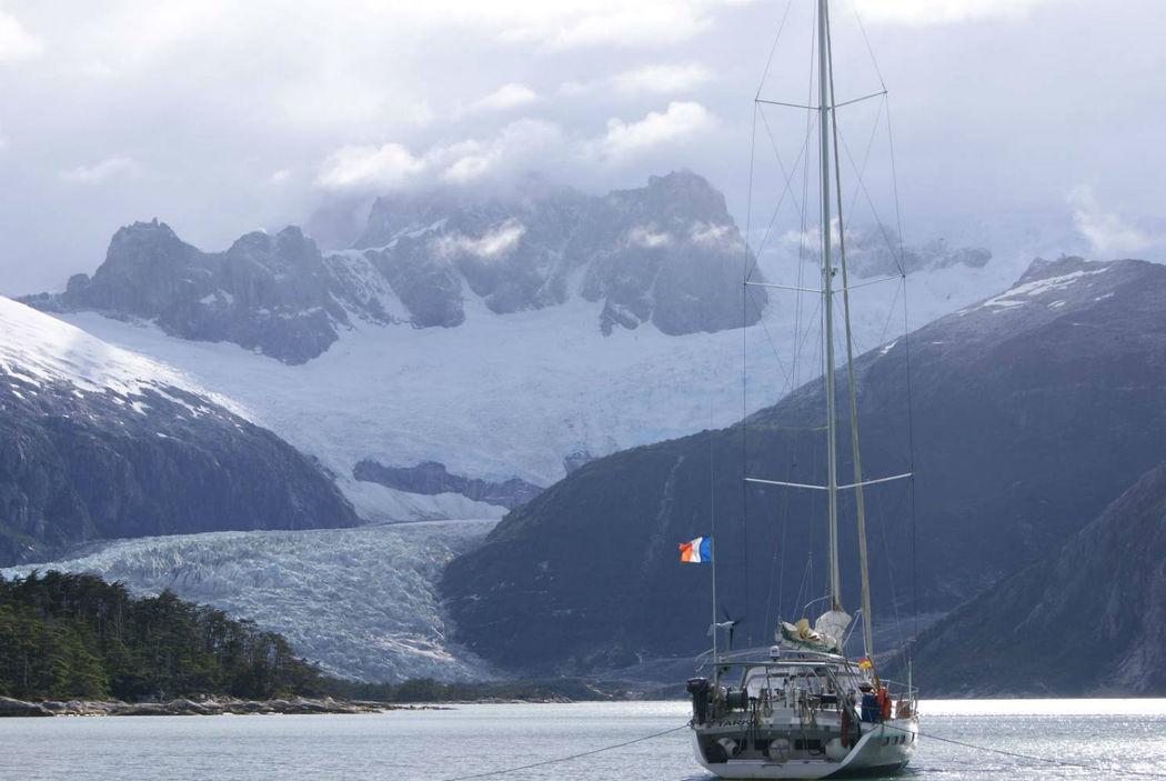 Voyages d'exception : naviguez dans les eaux des Antilles ou aux pieds des iceberg !