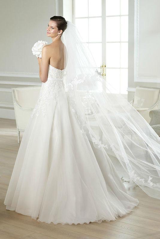 Beispiel: Brautkleid Jaques von W1 White One, Foto: Bösckens.