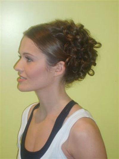 Beispiel: Professionelle Haarkunst, Foto: Make me up.