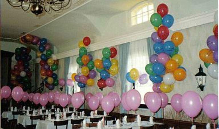 Beispiel: Geben Sie Ihrem Festsaal das richtige Ambiente, Foto: Krickl Ballons.