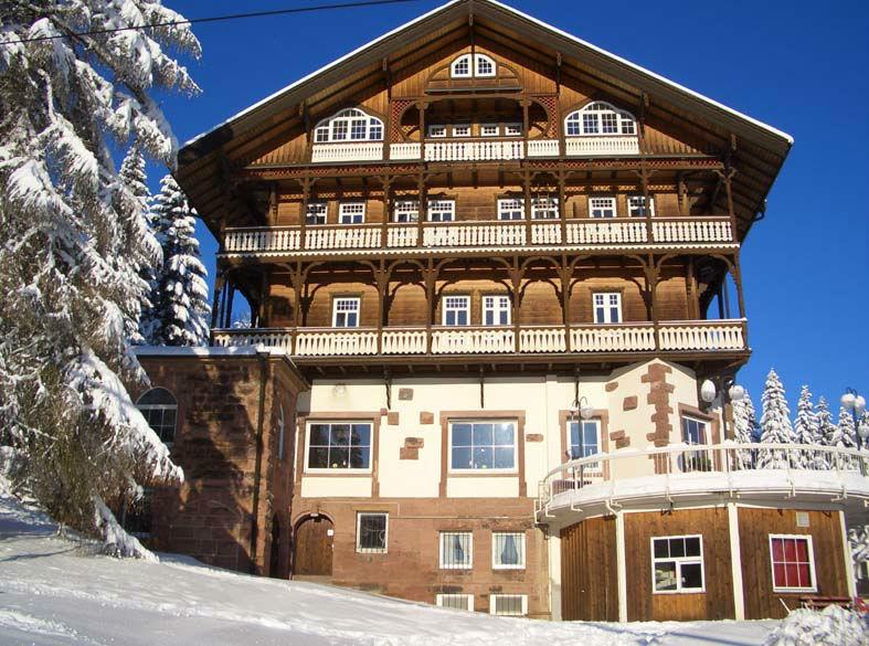 Beispiel: Hotel im Winter, Foto: Waldhotel Zollernblick.